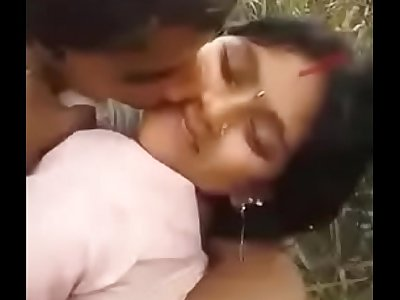 Desi Cute Bhabhi outdoor fucking